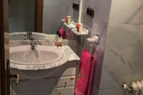 Apartment for rent in Madrid, Spain, 4 bedrooms, 256.00m2, No. 1568 – photo 6
