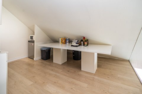 Duplex for sale in Madrid, Spain, 3 bedrooms, 150.00m2, No. 2671 – photo 12