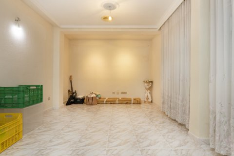 Apartment for sale in Madrid, Spain, 5 bedrooms, 114.00m2, No. 2670 – photo 2