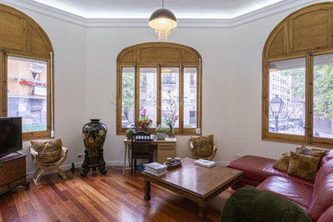 Apartment for sale in Madrid, Spain, 4 bedrooms, 422.00m2, No. 1963 – photo 1