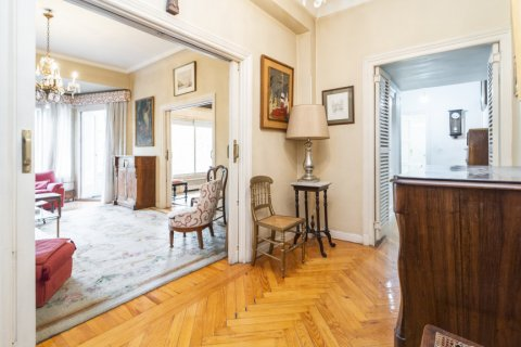 Apartment for sale in Madrid, Spain, 5 bedrooms, 168.00m2, No. 2313 – photo 24