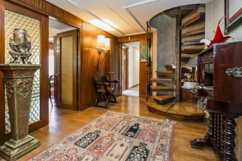 Apartment for sale in Madrid, Spain, 6 bedrooms, 414.00m2, No. 2470 – photo 3