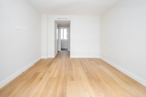 Apartment for sale in Madrid, Spain, 3 bedrooms, 189.00m2, No. 2603 – photo 1