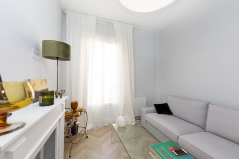 Apartment for sale in Madrid, Spain, 3 bedrooms, 69.00m2, No. 2315 – photo 3