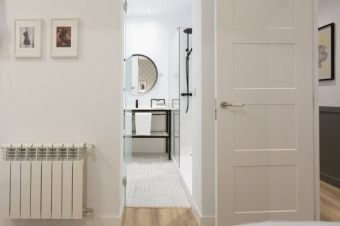 Apartment for sale in Madrid, Spain, 3 bedrooms, 142.00m2, No. 2689 – photo 20