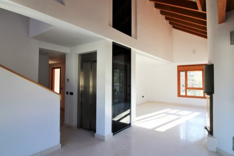 Duplex for sale in Madrid, Spain, 4 bedrooms, 220.46m2, No. 1975 – photo 6