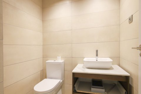 Apartment for sale in Madrid, Spain, 4 bedrooms, 200.00m2, No. 2361 – photo 29
