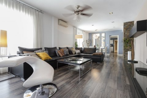 Penthouse for sale in Marbella, Malaga, Spain, 3 bedrooms, 172.74m2, No. 2165 – photo 2