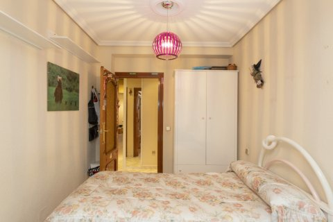 Apartment for sale in Madrid, Spain, 5 bedrooms, 114.00m2, No. 2670 – photo 10
