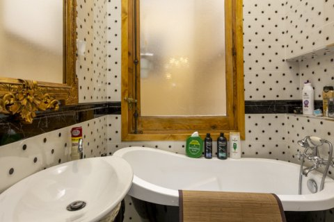 Apartment for sale in Madrid, Spain, 4 bedrooms, 422.00m2, No. 1963 – photo 13