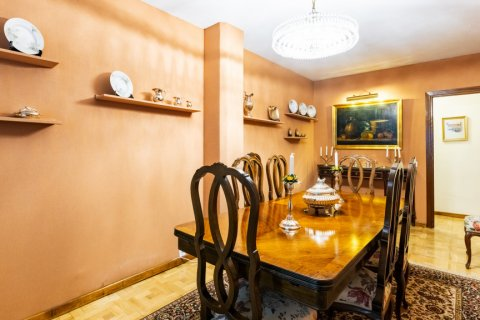 Apartment for sale in Madrid, Spain, 6 bedrooms, 355.00m2, No. 2376 – photo 24
