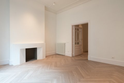 Apartment for sale in Madrid, Spain, 3 bedrooms, 185.00m2, No. 2098 – photo 6