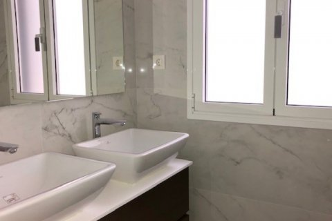Apartment for rent in Madrid, Spain, 3 bedrooms, 185.00m2, No. 2583 – photo 5