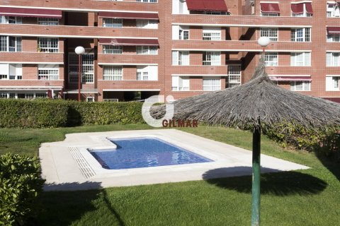 Apartment for rent in Madrid, Spain, 3 bedrooms, 127.00m2, No. 1688 – photo 19