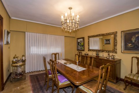 Apartment for sale in Madrid, Spain, 6 bedrooms, 216.00m2, No. 2002 – photo 9