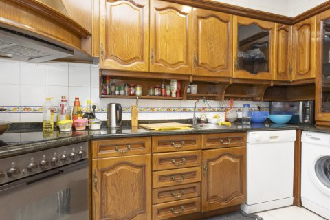 Apartment for sale in Madrid, Spain, 4 bedrooms, 163.00m2, No. 2586 – photo 16