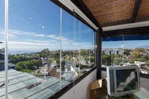 Penthouse for rent in Nueva Andalucia, Malaga, Spain, 5 bedrooms, 450.00m2, No. 1518 – photo 2