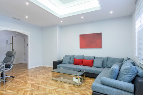 Apartment for sale in Madrid, Spain, 3 bedrooms, 147.00m2, No. 2026 – photo 2