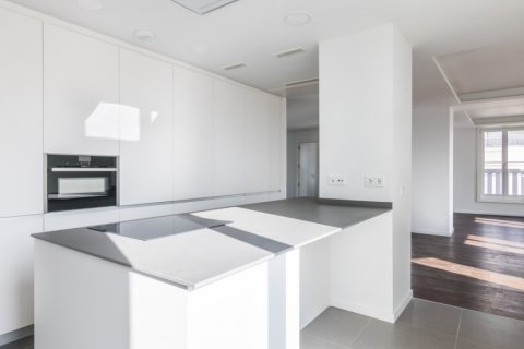 Duplex for sale in Madrid, Spain, 3 bedrooms, 383.49m2, No. 2257 – photo 3