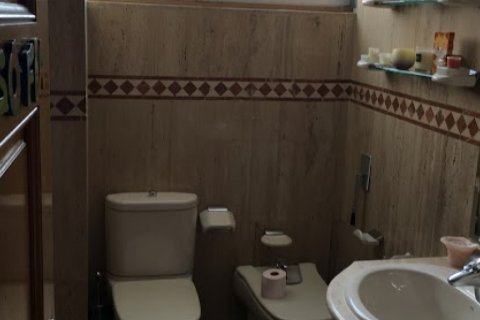 Apartment for rent in Madrid, Spain, 4 bedrooms, 256.00m2, No. 1568 – photo 9
