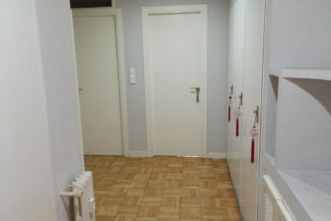 Apartment for rent in Madrid, Spain, 3 bedrooms, 170.00m2, No. 2047 – photo 25