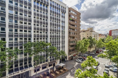 Apartment for sale in Madrid, Spain, 5 bedrooms, 181.00m2, No. 2706 – photo 25