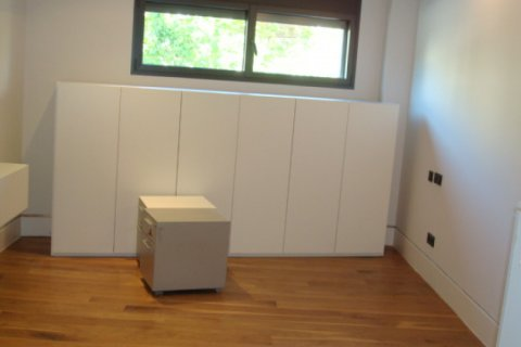 Apartment for sale in Madrid, Spain, 2 bedrooms, 160.00m2, No. 1736 – photo 4