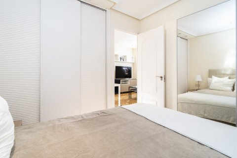 Apartment for sale in Madrid, Spain, 2 bedrooms, 80.00m2, No. 2516 – photo 17