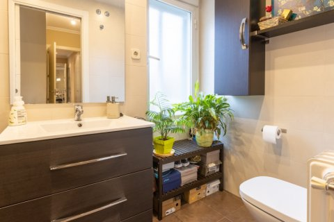 Apartment for sale in Madrid, Spain, 3 bedrooms, 121.00m2, No. 2521 – photo 17