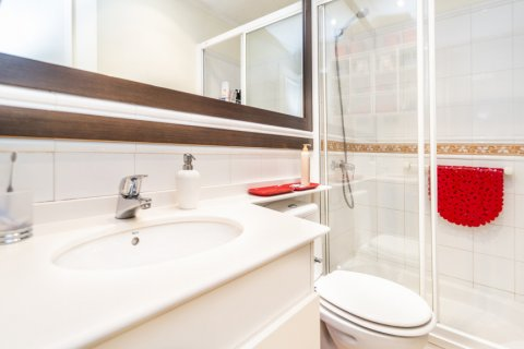 Apartment for sale in Madrid, Spain, 4 bedrooms, 213.00m2, No. 2415 – photo 4