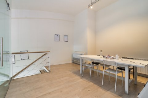 Duplex for sale in Madrid, Spain, 3 bedrooms, 150.00m2, No. 2671 – photo 10
