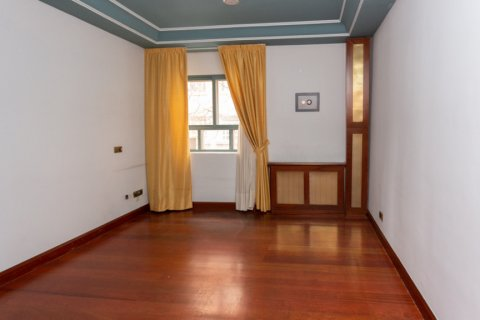 Apartment for sale in Madrid, Spain, 4 bedrooms, 196.00m2, No. 2199 – photo 16