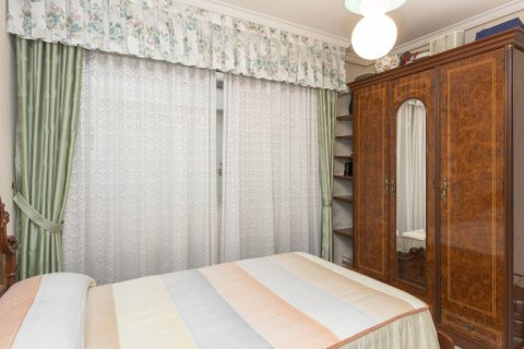 Apartment for sale in Madrid, Spain, 5 bedrooms, 114.00m2, No. 2670 – photo 12