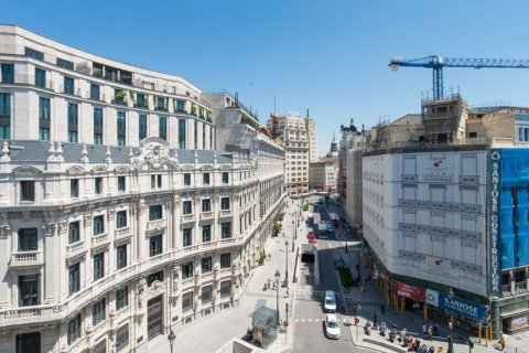 Apartment for sale in Madrid, Spain, 3 bedrooms, 225.78m2, No. 2489 – photo 27