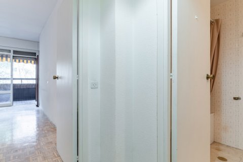 Apartment for sale in Madrid, Spain, 52.00m2, No. 2025 – photo 10
