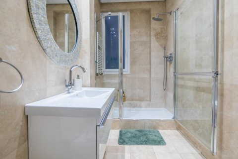 Apartment for sale in Madrid, Spain, 5 bedrooms, 236.00m2, No. 1569 – photo 11