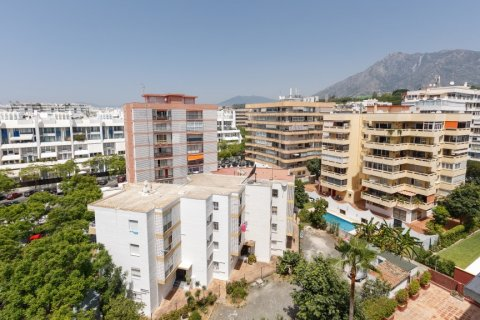 Penthouse for sale in Marbella, Malaga, Spain, 3 bedrooms, 160.67m2, No. 1517 – photo 14