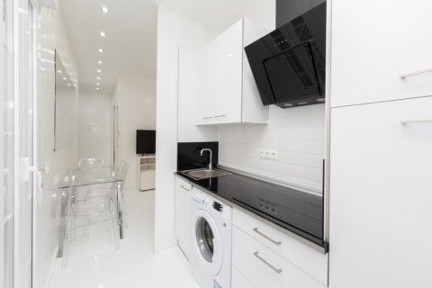 Apartment for sale in Madrid, Spain, 2 bedrooms, 46.00m2, No. 2423 – photo 12