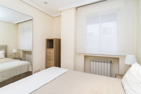 Apartment for sale in Madrid, Spain, 2 bedrooms, 80.00m2, No. 2516 – photo 19