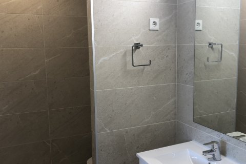 Apartment for rent in Madrid, Spain, 3 bedrooms, 120.00m2, No. 2106 – photo 13
