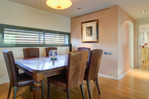 Duplex for sale in Madrid, Spain, 3 bedrooms, 160.00m2, No. 2326 – photo 10