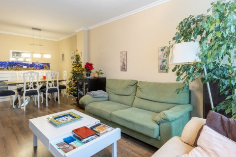 Apartment for sale in Madrid, Spain, 3 bedrooms, 121.00m2, No. 2521 – photo 3