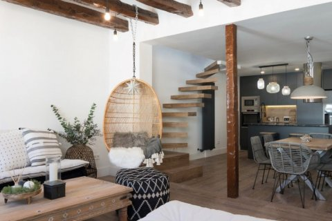 Duplex for sale in Madrid, Spain, 2 bedrooms, 134.00m2, No. 2107 – photo 3