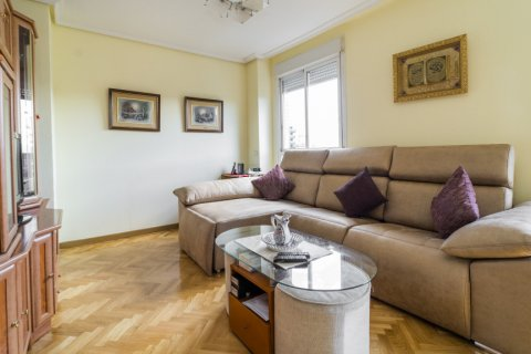 Apartment for sale in Madrid, Spain, 3 bedrooms, 102.43m2, No. 2471 – photo 11