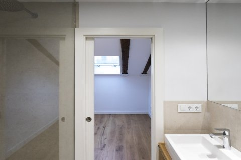 Duplex for sale in Madrid, Spain, 2 bedrooms, 125.00m2, No. 1549 – photo 11