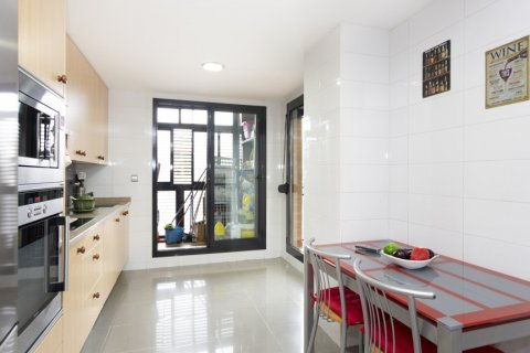 Apartment for sale in Getafe, Madrid, Spain, 4 bedrooms, 242.00m2, No. 2480 – photo 14