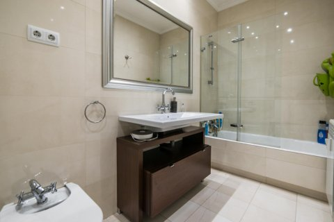 Apartment for sale in Madrid, Spain, 5 bedrooms, 236.00m2, No. 1569 – photo 21