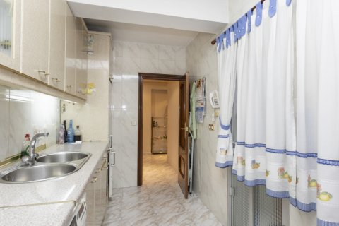 Apartment for sale in Madrid, Spain, 5 bedrooms, 114.00m2, No. 2670 – photo 1