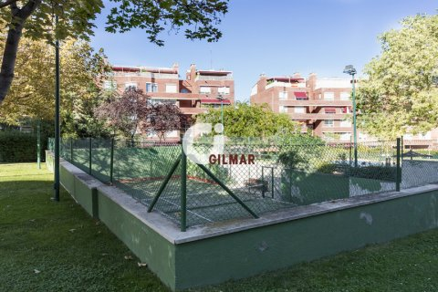 Apartment for rent in Madrid, Spain, 3 bedrooms, 127.00m2, No. 1688 – photo 10