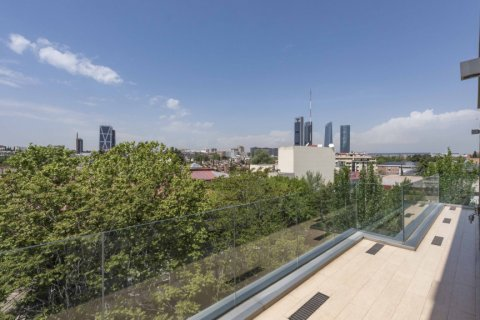 Penthouse for sale in Madrid, Spain, 4 bedrooms, 437.00m2, No. 1528 – photo 15